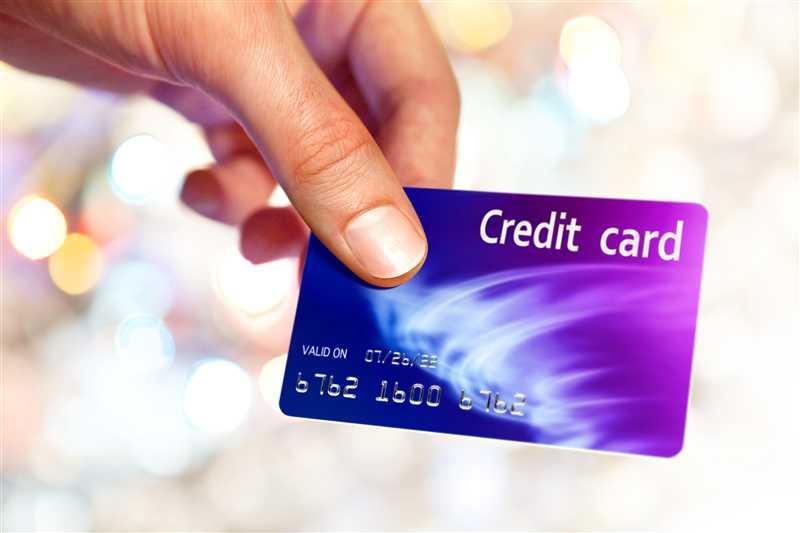 Bologna, shopping di lusso con carte di credito rubate: due arresti