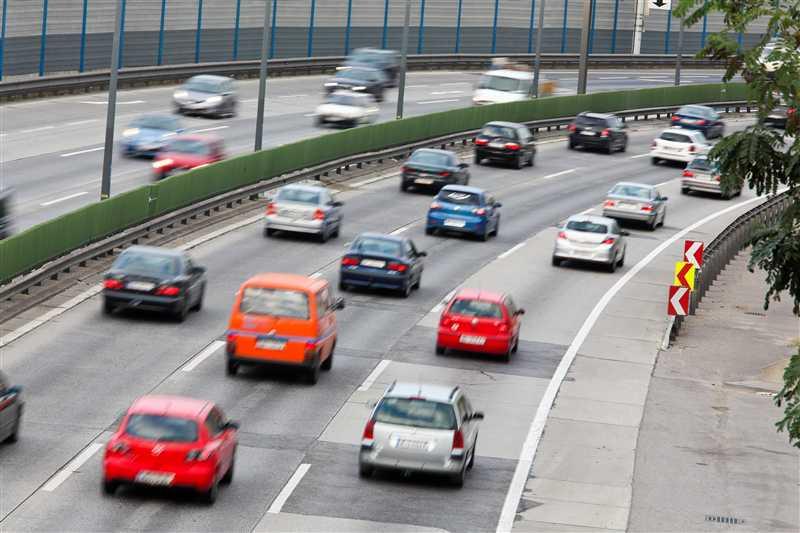 Smog e pericoli per la salute: la responsabilità è anche delle auto vecchie