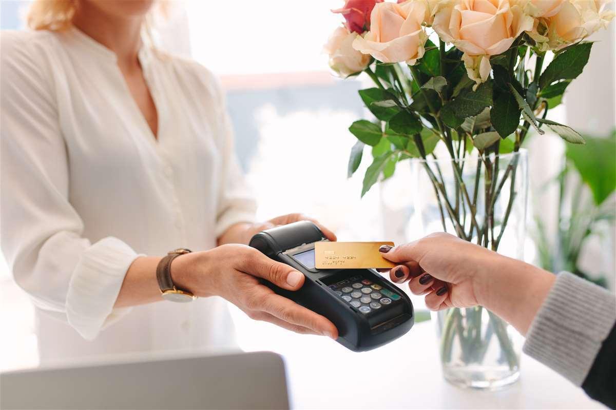cliente effettua pagamento tramite la carta di credito