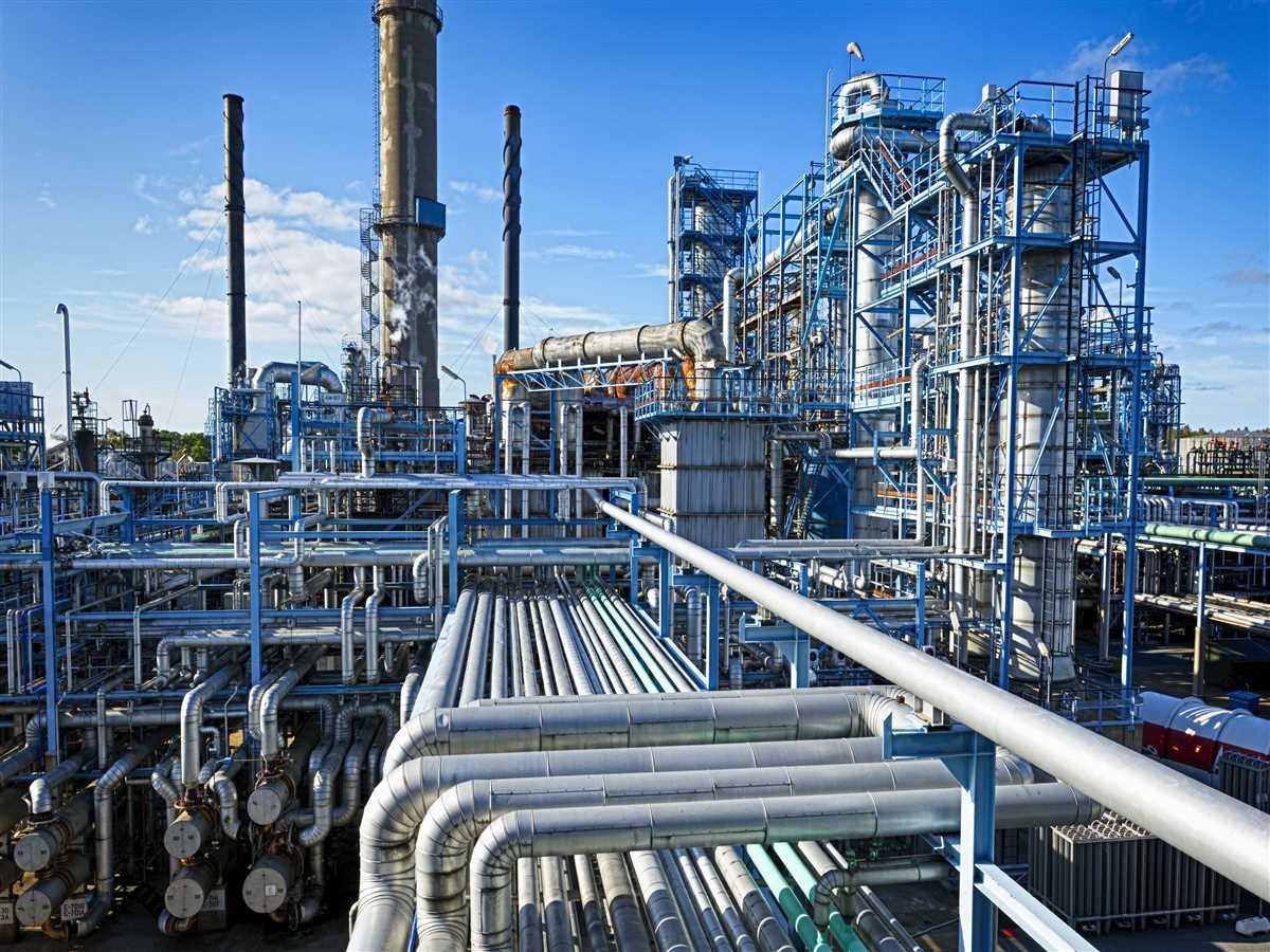 Produzione industriale: a marzo calo senza precedenti